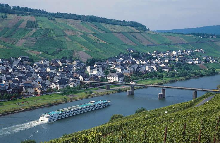 Rhein, Flussschiff
