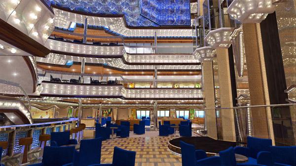 """Atrium der neuen """"Costa Diadema"""".  Foto: Costa Kreuzfahrten"""